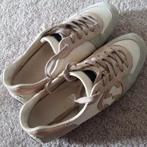 Authentic Gucci shoes / sneakers